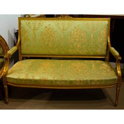Mēbeļu komplekts klasicisma stilā - sofa, 2 krēsli, galds.