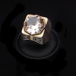 Zelta gredzens ar topāzu