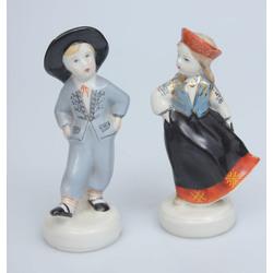 Пара фарфоровых статуетках