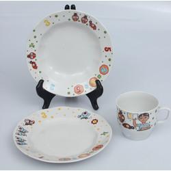Porcelāna komplekts bērniem - krūze, šķīvītis, dziļais šķīvis