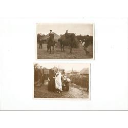 2 atklātnes - Zirgu mugurā, Pie auto