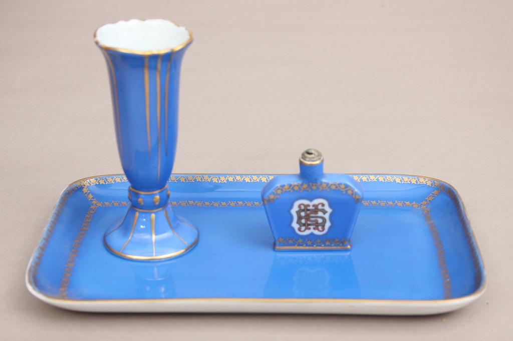 Porcelāna komplekts, vāzīte, paplāte un smaržu pudelīte