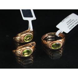 Juvelierizstrādājumu komplekts- auskari un gredzens ar peridotiem