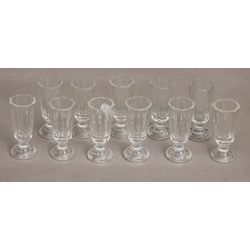 Stikla šņabja glāzītes 11 gab.