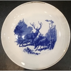 Porcelain plate with deer