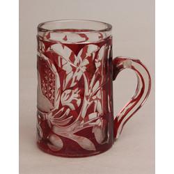 Sarkana stikla kauss ar gravējumu