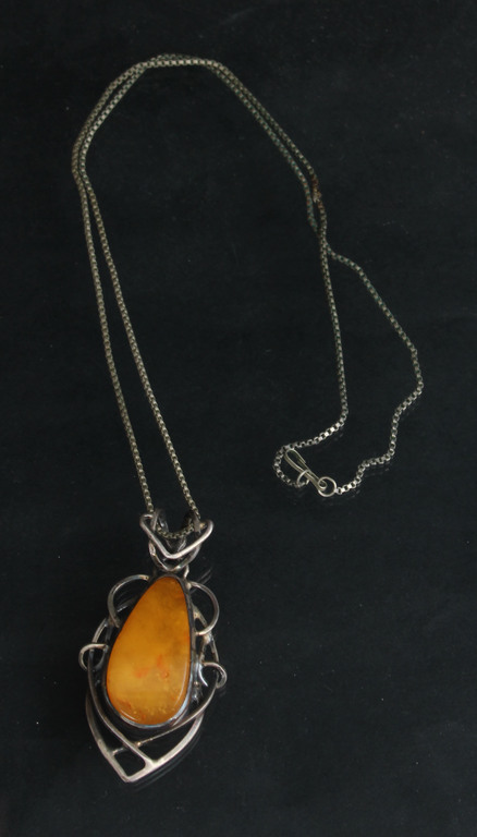 Chain with amber pendant