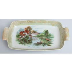 Porcelain serving dish