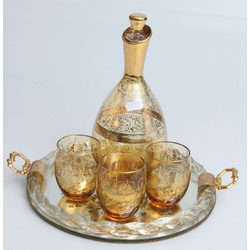 Glass decanter with 3 glasses and tray