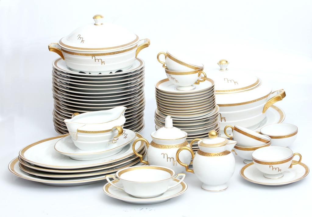 Kuzņecova fabrikas porcelāna servīze