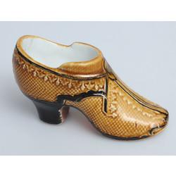 Porcelāna kurpīte