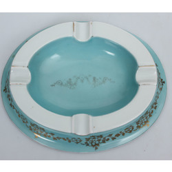 Porcelain ashtray with gilding