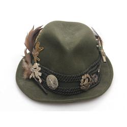 Mednieka cepure ar 13 sudraba piespraudēm