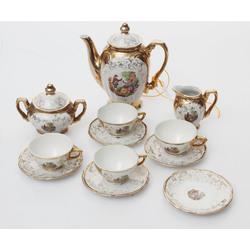 Porcelāna servīze četrām personām
