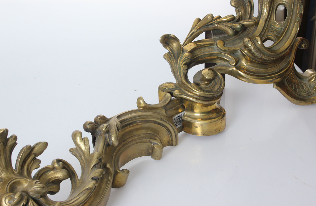 Bronze fireplace front in Rococo style