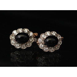 Gold earrings with zircons and black onyx
