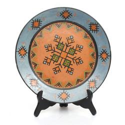 Keramikas šķīvis ar Nacionāliem ornamentiem