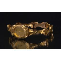 Sieviešu zelta rokas pulkstenis