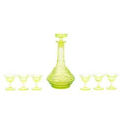 Iļģuciema stikla fabrikas urāna stikla komplekts - karafe un 6 glāzītes