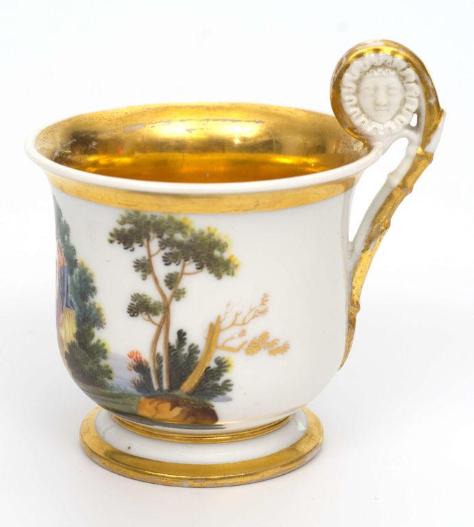 Porcelāna kafijas tasīte