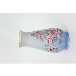 Apgleznota porcelāna vāze