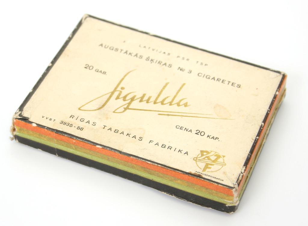 Papirosu kastīte