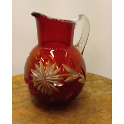 Krāsainā stikla krūka