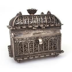 Silver box filigree style