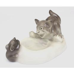 """Porcelāna pelnu trauks """"Kaķis ar peli"""""""