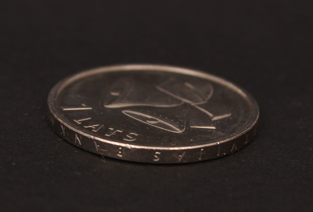 One lats coin