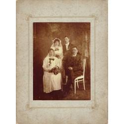 Melnbaltā kāzu fotogrāfija