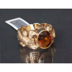 Zelta gredzens ar grifiem