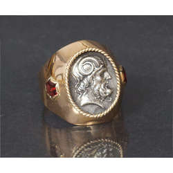 Vīriešu zelta gredzens ar granātiem