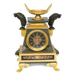 Zeltītas bronzas kamīna pulkstenis