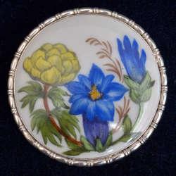 Sudraba jūgendstila piespraude ar porcelānu