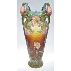 Керамическая ваза в стиле ар-нуво