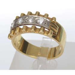 Zelta gredzens ar briljantiem?