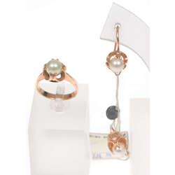 Zelta juvelierizstrādājumu komplekts -auskari un gredzens ar pērli