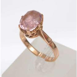 Zelta gredzens ar rozā krāsas akmeni