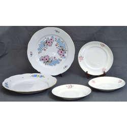 Porcelāna sķīvji (5 gab.)