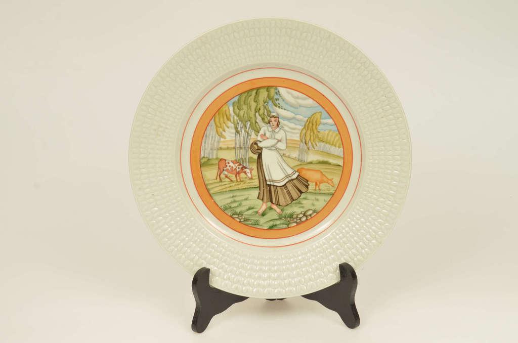 Apgleznots porcelāna dekoratīvais šķīvis