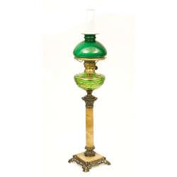 Lampa Ampīra stilā ar zaļu kupolu