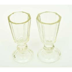 Divas stikla glāzītes