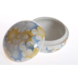 Porcelāna dekoratīvā lādīte