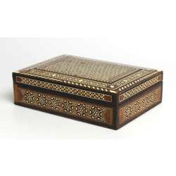 Wooden jewelry box with inlays (with a small defect)