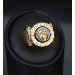 Женское золотое кольцо с ониксом Медуза Горгона