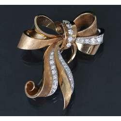 Золотая брошь с бриллиантами