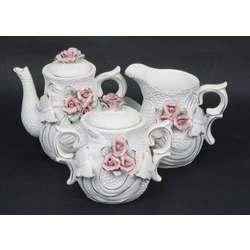 Porcelāna komplekts ar rozēm un taureņiem