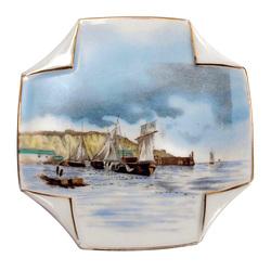 Porcelāna šķīvis ''Buru laivas''
